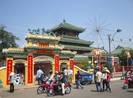 Tour du lich Chau Doc - Mieu Ba Chua Xu