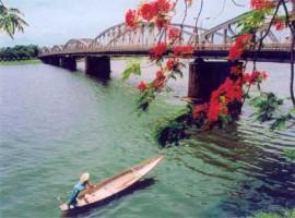 Tour Hue - Da Nang - Hoi An gia re