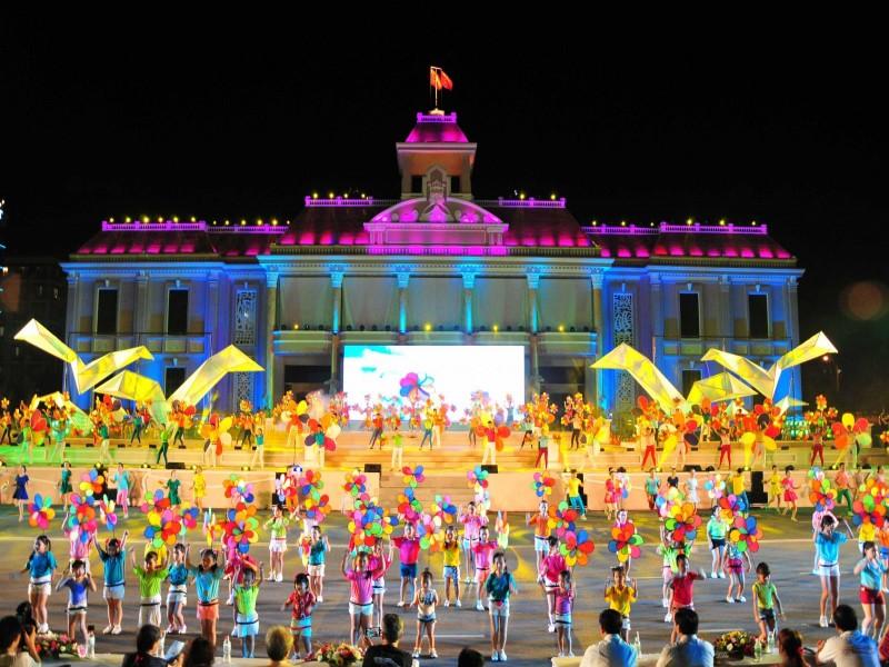 Tour du lich Festival bien Nha Trang 2017